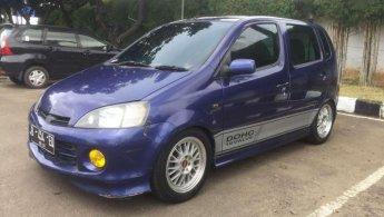 Daihatsu YRV 2002