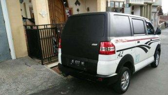 Daihatsu YRV 2012