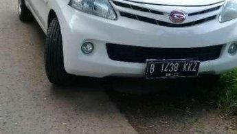 Jual Mobil Daihatsu Xenia M 2012
