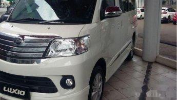 Jual Mobil Daihatsu Luxio X 2018