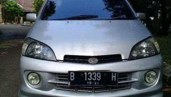 Jual Daihatsu YRV Deluxe 2004