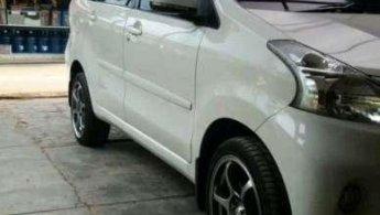 Jual Mobil Daihatsu Xenia M DELUXE 2013