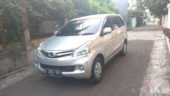 Jual Mobil Daihatsu Xenia R STD 2015