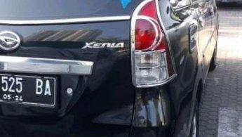 Jual Mobil Daihatsu Xenia D 2012
