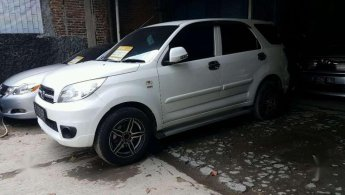 Jual Mobil Daihatsu Terios X 2013