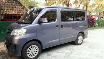 Jual mobil Daihatsu Luxio M 2010 bekas di Banten