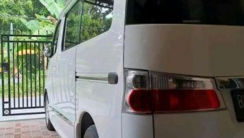 Jual Cepat Daihatsu Luxio X 2014