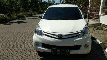 Mobil Daihatsu Xenia X 2015 terawat di Jawa Timur