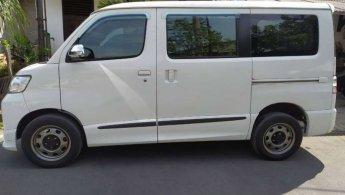Daihatsu Luxio D 2016