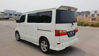 Jual Cepat Daihatsu Luxio X 2011