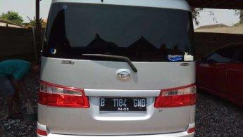 Daihatsu Luxio 2010