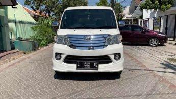 Jual Cepat Daihatsu Luxio X 2015