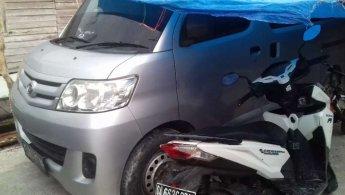 Jual Mobil Daihatsu Luxio VVTI 2011