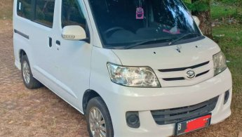Jual Mobil Daihatsu Luxio M 2014