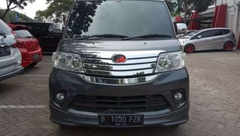 Jual mobil Daihatsu Luxio X 2017 bekas di Banten