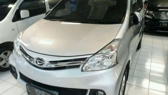 Jual Mobil Daihatsu Xenia R 2015