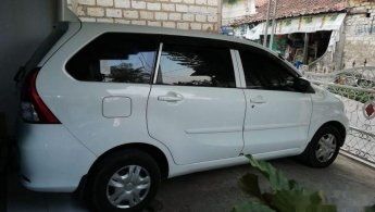 Jual Mobil Daihatsu Xenia X STD 2015