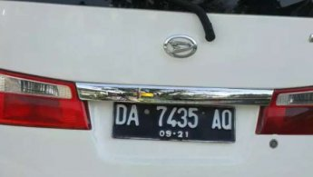 Daihatsu Luxio M 2011