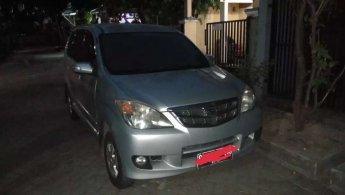 Jual mobil Daihatsu Xenia Li 2009 murah di Jawa Timur