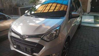 Jual mobil Daihatsu Sigra R 2017 terbaik di Jawa Timur