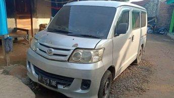 Jual Cepat Daihatsu Luxio D 2011 di Jawa Barat