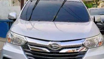 Jual Mobil Daihatsu Xenia R 2016