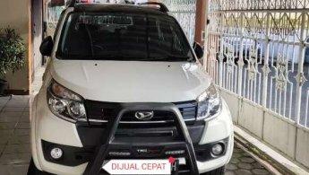 Jual Mobil Daihatsu Terios R 2017