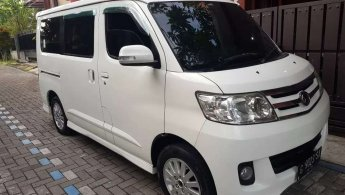 Daihatsu Luxio X 2013