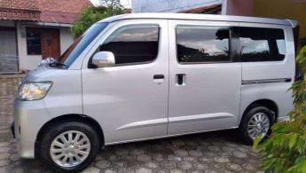 Jual Mobil Daihatsu Luxio M 2013