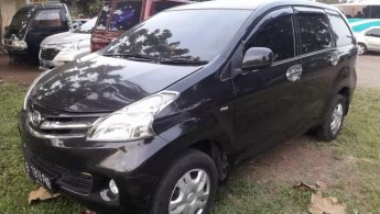 Jual Mobil Daihatsu Xenia R DLX 2012