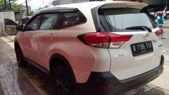Daihatsu Terios X 1.5L M/T 2019 Putih Istimewa