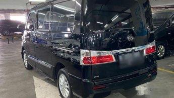 2015 Daihatsu Luxio X MPV