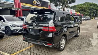 NEW XENIA R DELUXE AT 2020 low KM