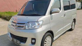 Daihatsu Luxio 1.5 X Matic 2011 Silver