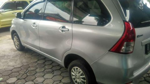 Jual Mobil Daihatsu Xenia M 2013