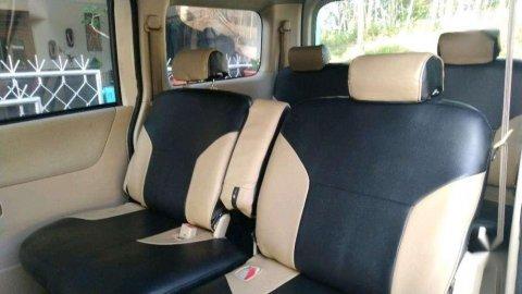 Jual Daihatsu Luxio M 2012