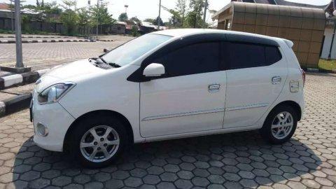 Mobil Daihatsu Ayla X 2013 dijual, Sumatra Barat