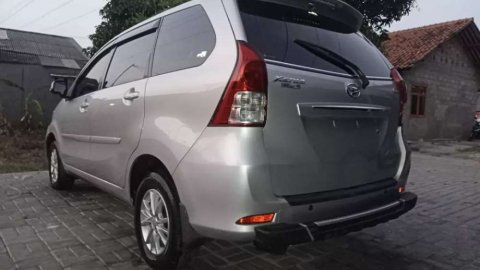 Dijual mobil bekas Daihatsu Xenia R DLX 2013, Jawa Barat