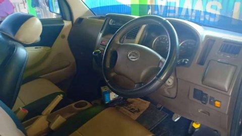 Daihatsu Luxio 2012