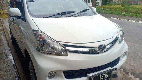 2015 Daihatsu Xenia R DLX MPV