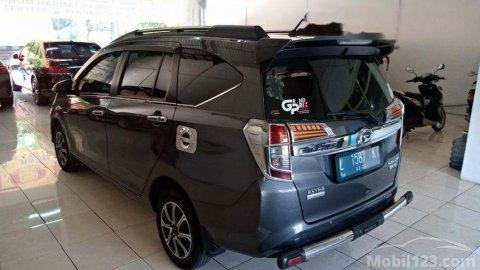 2019 Daihatsu Sigra R Deluxe MPV